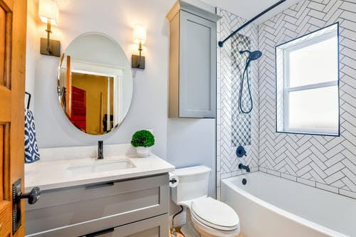 Should You Leave The Bathroom Door Open Or Closed After Shower